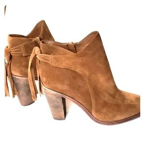 Vince  camuto boho suede leather booties b81